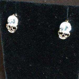 Skull earrings.    NEW